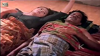 Девушка в чулочках кончает от вибратора и принимает на задницу семенную жидкость со вибратора